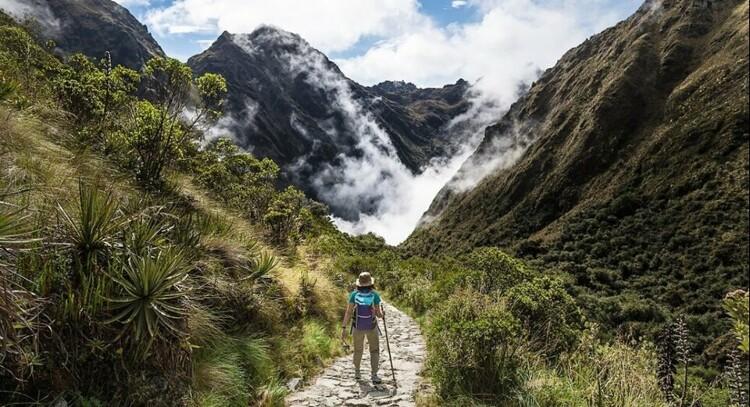 Mulher Trilha Inca