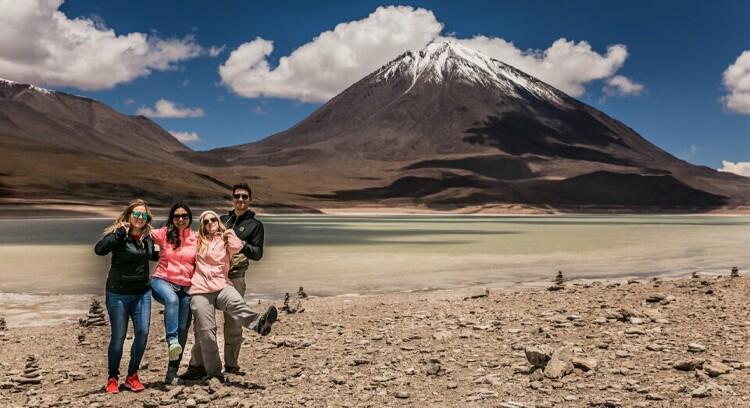 Pessoas na Lagoa Verde.