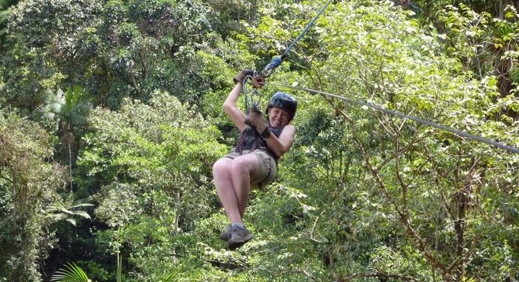 Zipline na Região de Mindo